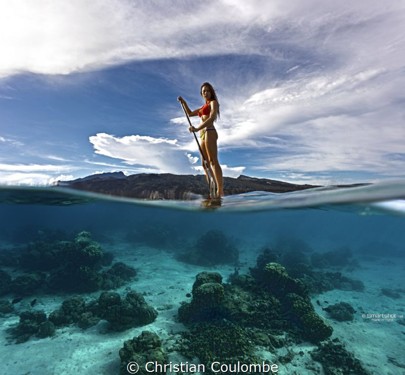 Split photography Stand Up Paddle @ Tahiti by Christian Coulombe