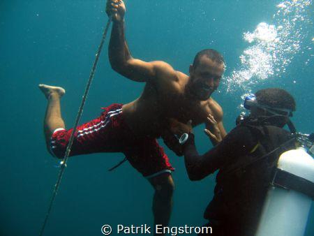 Zaki is freediving by Patrik Engstrom