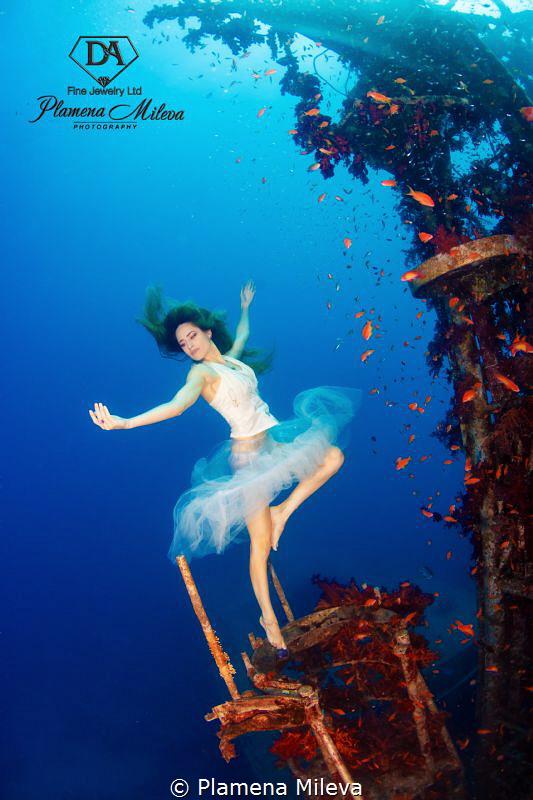 Underwater ballet by Plamena Mileva