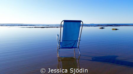 I wanted to dip my toes in the calm water this beautiful ... by Jessica Sjödin