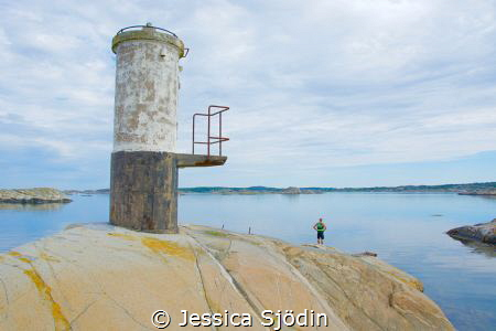 A calm and little misty morning in the archipelago at Swe... by Jessica Sjödin