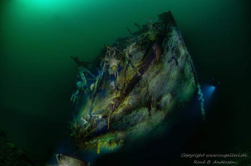 Aquila WW2 Wreck 40meter depht by Rene B. Andersen