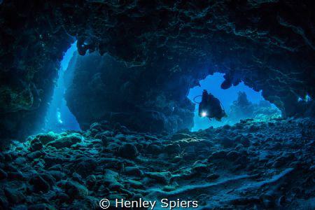 Underwater Explorers by Henley Spiers