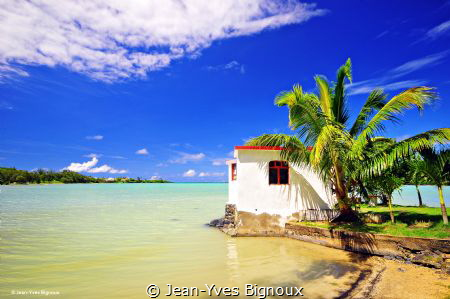 Anse la Raie(Cove of Rays)Mauritius,north east Mauritius.... by Jean-Yves Bignoux