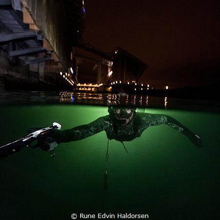 From Oslo harbor a winter night. by Rune Edvin Haldorsen