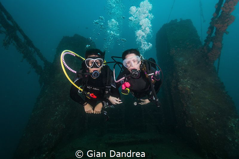 this photo was taken in one of the largest wreck in Venez... by Gian Dandrea