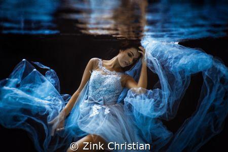 feminine blue Model: Maria Nennstiel Fotograf: Christia... by Zink Christian