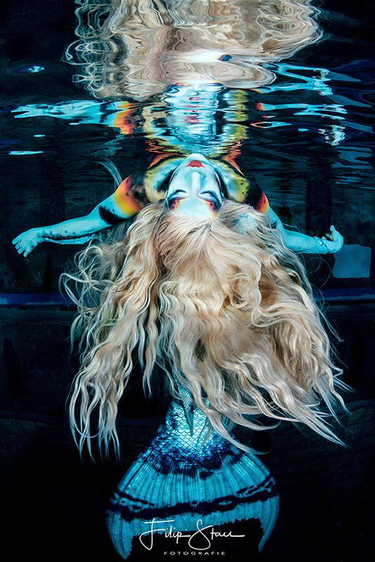 The world upside down. Photoshoot with mermaid Celine. by Filip Staes