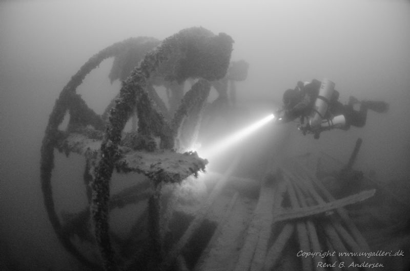 Old paddle steamer, went down in 1882 so the wreck is 135... by Rene B. Andersen