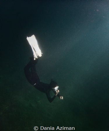 A simple freedive training during our surface interval, s... by Dania Aziman