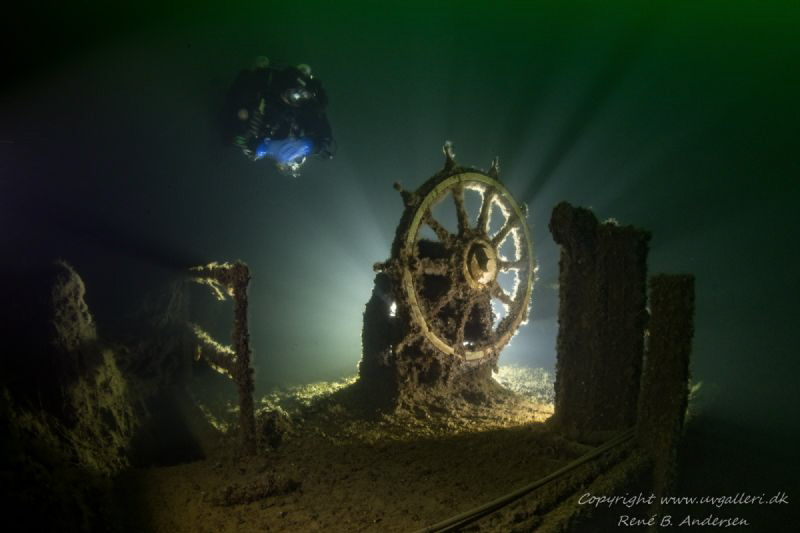 Unknow wreck layin on 85m in the Baltic sea by Rene B. Andersen