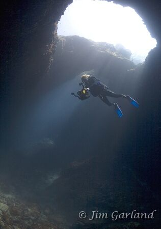 Blue Hole - Middle Chamber. EOS5D + Sigma 15mm FE. by Jim Garland