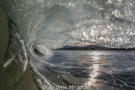 Wave by Jérome Mirande