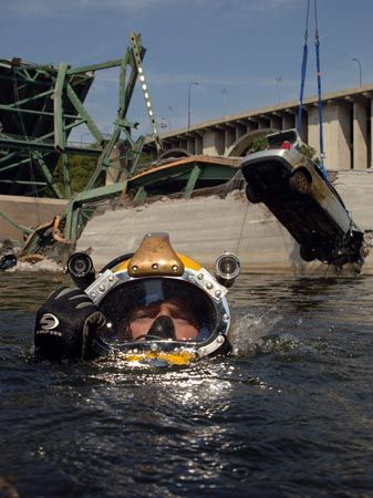 Minneapolis bridge recovery Navy diver surfaces after ri... by Andrew Mckaskle