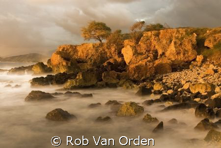 Sunset at Kahe Point Oahu. by Rob Van Orden
