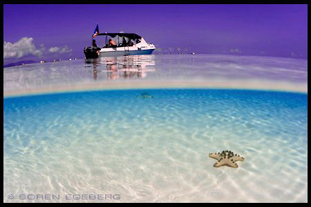 Borneo, mabul, blue sky, white sands... by Soren Egeberg