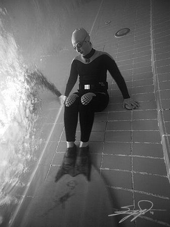 Fin Diver - Pool Shot by Nicholas Samaras