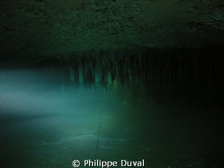 Full cave dive in dos ojos cenote by Philippe Duval