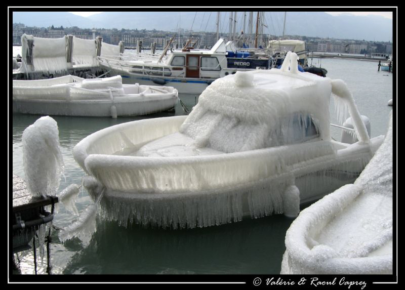 Ice boat ... it was quite cold last week in Switzerland. by Raoul Caprez