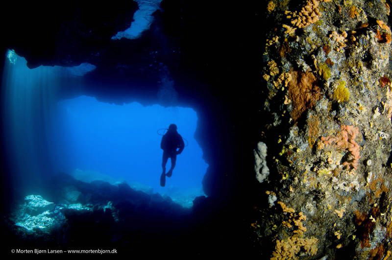In a cave I found a spot where I could get both some colo... by Morten Bjorn Larsen