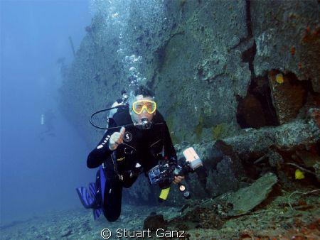 Diver on the Mahi by Stuart Ganz