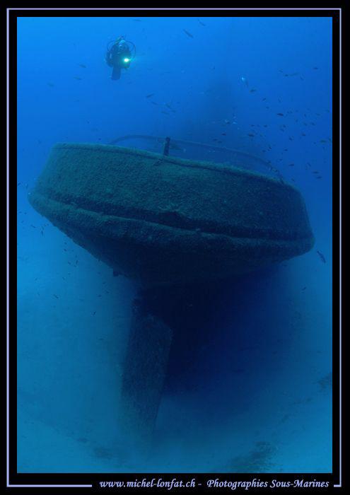 Wreck diving in Malta. Que du bonheur... :O)... by Michel Lonfat