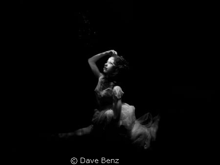 Amazing underwatershooting with ballerina and model Sabri... by Dave Benz