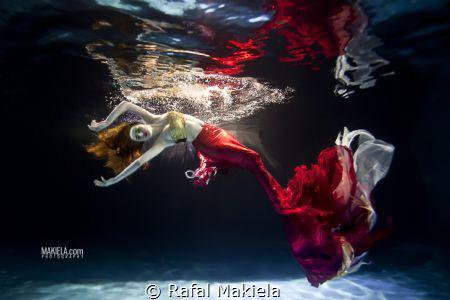 fashion session in pool model Barbara S. costume Ewa J. by Rafal Makiela