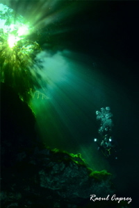 Cenote atmosphere by Raoul Caprez