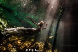 Underwater Trash The Dress in Cenote. Riviera Maya by Erik Anaya