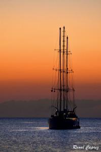 Night cruise by Raoul Caprez