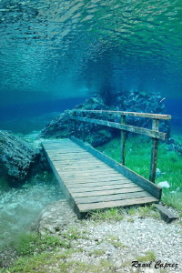 Underwater bridge by Raoul Caprez