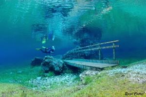 Ready to cross the underwater bridge by Raoul Caprez