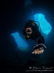 Diver in the cueva del diablo. El Hierro. by Alexia Dunand