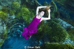 Türkiye,( tatlı su) Sakaryabaşı Model:Özüm Öcal Fotoğraf:... by Erkan Balk