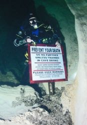 Cave Diver. Camera olympus c-5050, Ikelite Housing, Ds-12... by Ray Eccleston