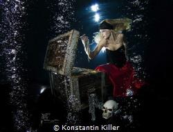 Titel: Nibelungengold in Worms. UW Model : Veronika VA 0... by Konstantin Killer
