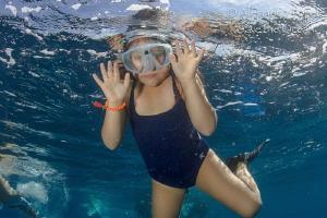 Snorkeling by Alejandro Topete