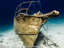 Mangel Halto shipwreck Aruba. by Romeo Penacino