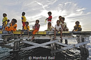 Arborek, Raja-Ampat Inseln, West-Papua, Indonesien by Manfred Bail