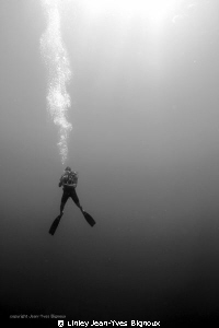 Diver on deco Mauritius