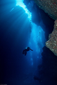 Spooky channel lives up to its name ...... Roatan by Jim Garber