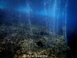 Bubble Blues. Volcanic bubbles underwater, camera: Lumix... by Roar Saethre