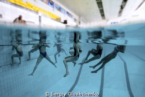 Water acrobatics. by Sergiy Glushchenko