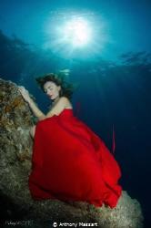 Red dress by Samantha B. by Anthony Massart