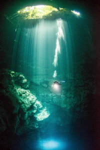 'The Pit' - Mexico. by Spencer Burrows