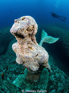 Mermaid statue dedicated to the memory of a female freedi... by Henley Spiers