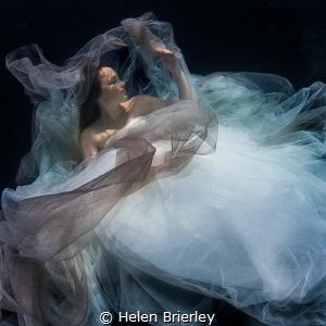 Swimming pool shoot by Helen Brierley