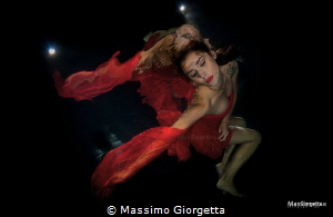 model underwater by Massimo Giorgetta