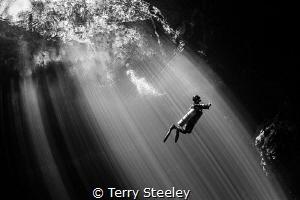 Into the darkness — Subal underwater housing, Zen DP230,... by Terry Steeley